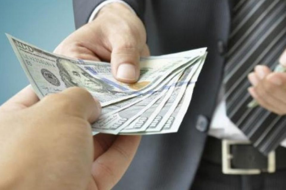 Things to consider while choosing a private money lender