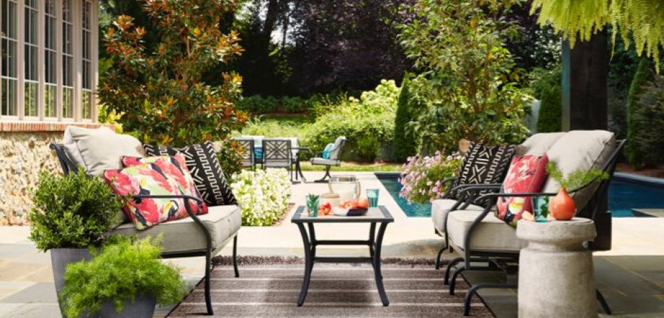 What to Look for while Shopping for Patio Furniture