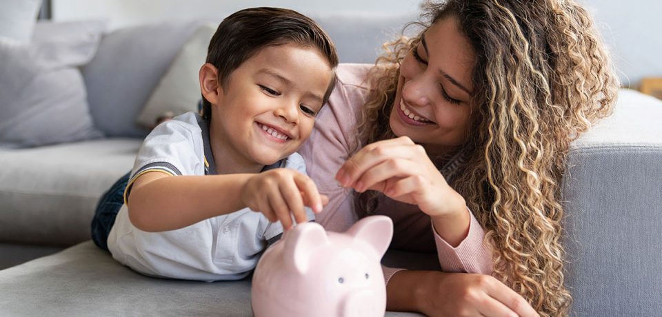 The Guideline on Saving Money to Reach Your Achievements